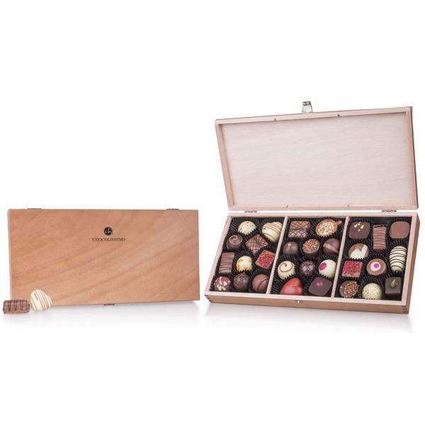 Pralinki w drewnianej szkatułce